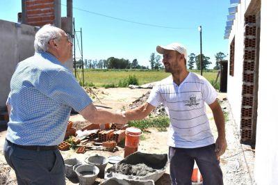 """Álvarez: """"Me llena de felicidad poder seguir construyendo viviendas"""""""