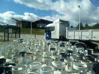 Petrominera inicia la comercialización de garrafas en la Cordillera y la Meseta de Chubut1