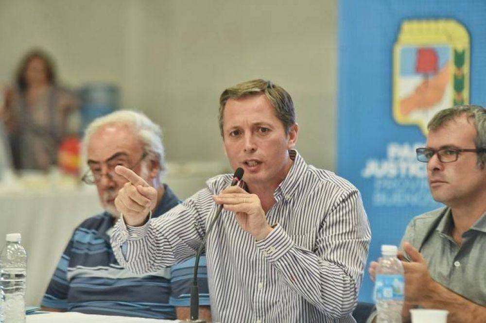 Sale al cruce el PJ bonaerense de Massa por abrazar el desdoblamiento de elecciones en Provincia