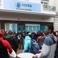 Vecinos de la Uocra juntan firmas para ir a la Justicia, hartos de la vida alterada