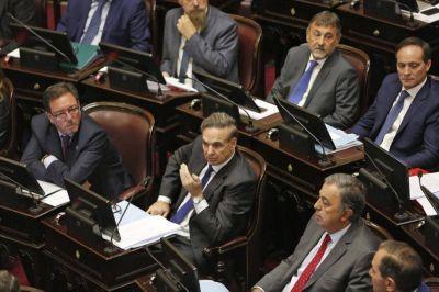 Ofensiva de la oposición para frenar los aumentos de las tarifas