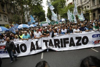 El frente de Moyano y las dos CTA intensifican las protestas