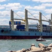 Videos: Llegó a Puerto Quequén el primer cargamento de aerogeneradores