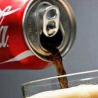 Coca-Cola salió a militar el ajuste con una vergonzosa publicidad