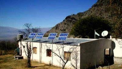 Más escuelas rurales del país contarán con paneles solares