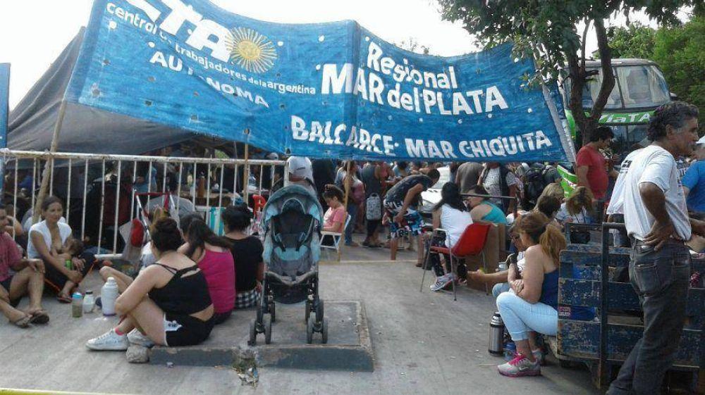 Caos en la terminal de ómnibus de Mar del Plata por el paro de maleteros