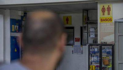 Expendedores disconformes con un proyecto de Ley que permite el ingreso irrestricto a los baños