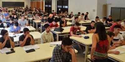 Ingreso 2019 en la UNLP: Ingeniería encara un verano intenso, de matemática