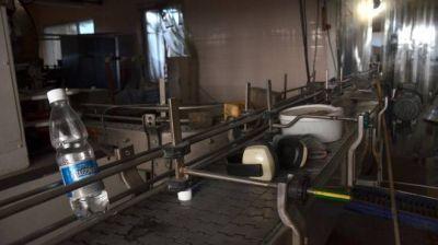 La embotelladora de agua mineral de Santo Tomás volvió a producir