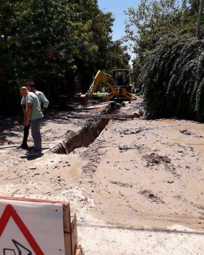 El acueducto norte sumó otra fisura en Castells y se estira la habilitación