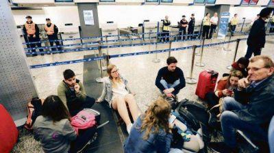 Gremios amenazan con nuevos paros en Aerolíneas y Latam