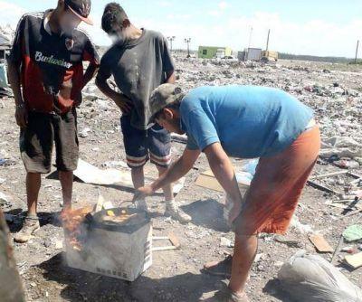 La Mar del Plata Infeliz: El basurero donde trabajan y habitan los olvidados por políticos y el CEAMSE