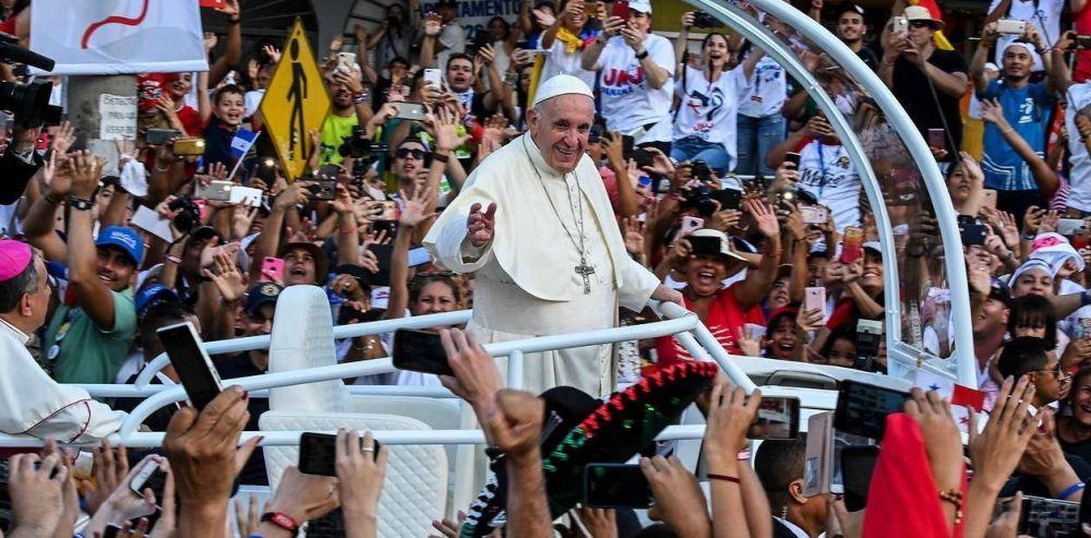 El Papa llega a Panamá con críticas al muro de Trump:El miedo nos vuelve locos