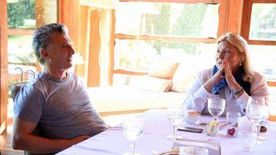 Macri recibió a Carrió y hablan de la vuelta de Quintana al Gobierno