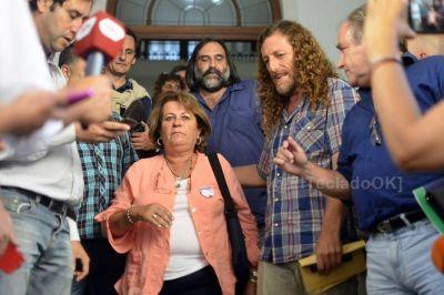 Los gremios docentes piden a la Provincia que los convoque en enero para abrir la discusión paritaria