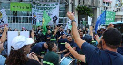 Cofco ratificó el cierre de su planta de Valentin Alsina y aceiteros amaga con un paro nacional