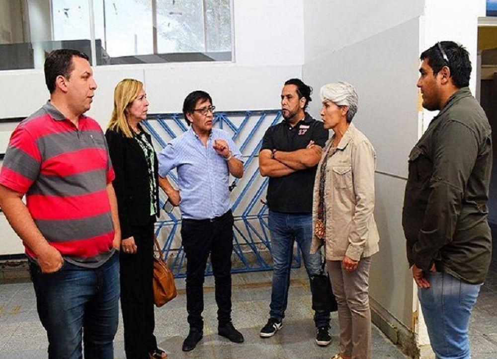 Petroleros Jerárquicos donaron comestibles a las colonias municipales caletenses