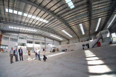 Arroyo recorrió el nuevo Centro de Logística y Distribución de Coca Cola