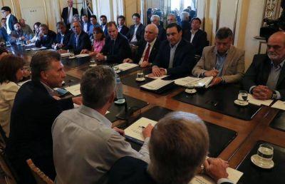 Macri se reunió con los gobernadores de las provincias afectadas por las inundaciones y ratificó la emergencia hídrica