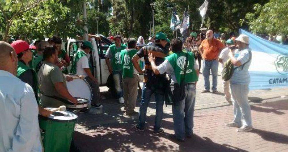 Empiezan a calentar las paritarias: Catamarca ofreció 23% pero los estatales reclaman 27%