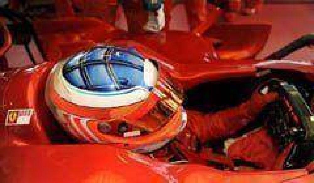 Alonso se empieza a vestir de rojo: esta semana se anuncia su pase a Ferrari