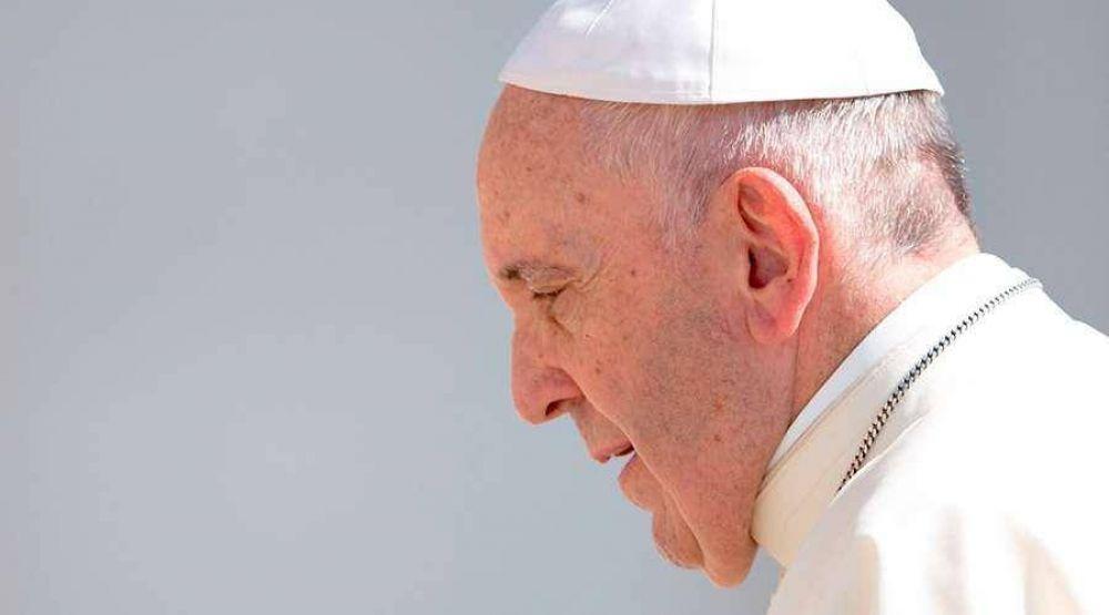 El Papa Francisco sigue de cerca la crisis en Venezuela y reza por las víctimas