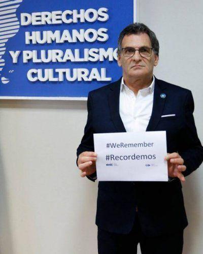 """Claudio Avruj: """"Negar la Shoá es una construcción imbécil y de una mente enferma"""""""
