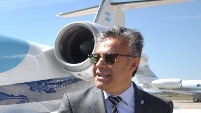 Cornejo llegó a Mendoza con el desdoblamiento en la cabeza