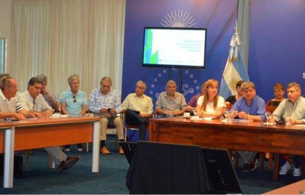 Municipio y Gobierno firmaron acuerdo por fondos de compensación del FGS