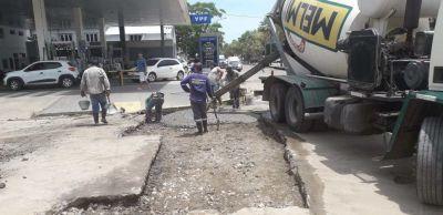 Macrocentro: el Municipio realiza nuevos trabajos de bacheo, señalización y recambios de luminarias