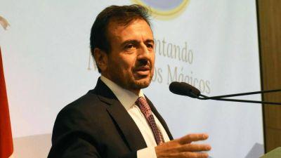 Quintana quiere ser candidato pero teme que le hablen de Farmacity