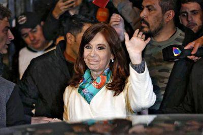Cristina Kirchner bajó la orden de sellar la unidad con el PJ en las provincias