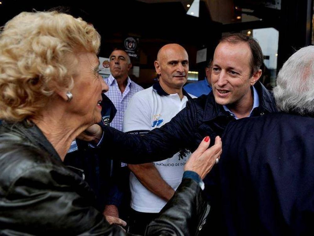 Otro intendente del interior apoyó la candidatura de Insaurralde
