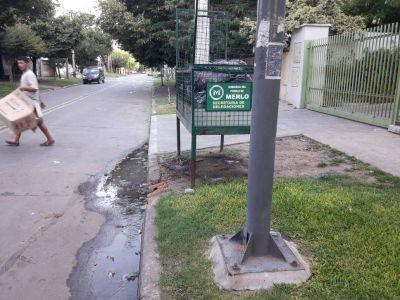 Vecinos se quejan por arrojo de aguas servidas desde un geriátrico