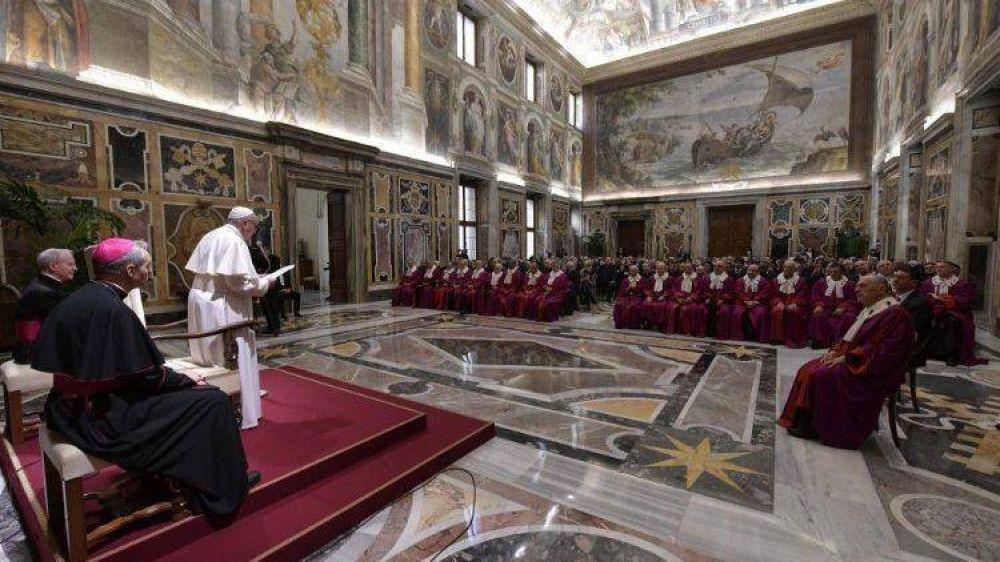 Papa a la Rota Romana: Unidad y fidelidad, fundamentos del matrimonio y de la Iglesia