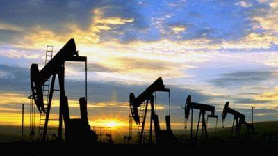Petróleo en suba por Venezuela