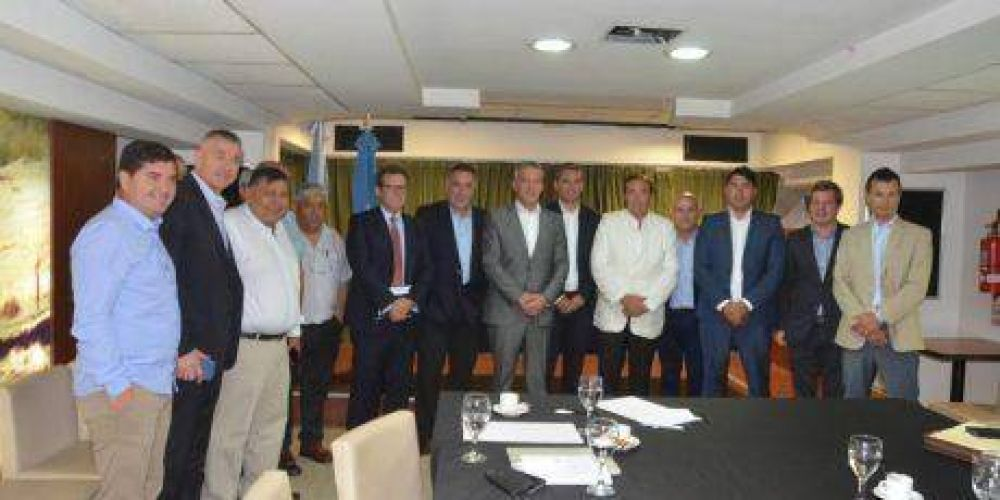 Fuertes gestiones de Petroleros junto a Provincia para lograr más producción en la Cuenca