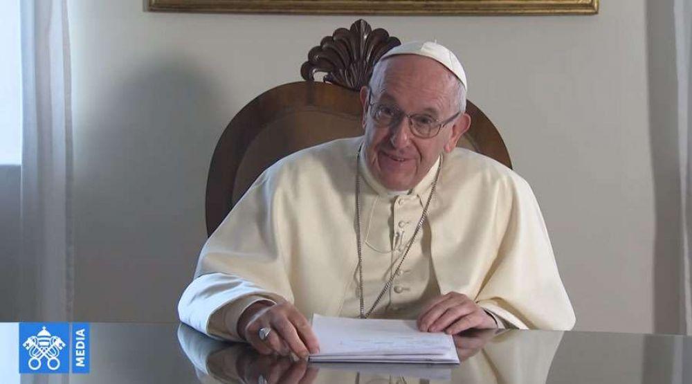 El Papa envía un video mensaje al pueblo de Emiratos Árabes, su próximo destino