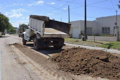El plan de mantenimiento de calles y bacheo no detiene su andar diario