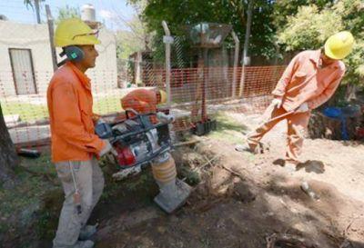 AySA avanza con la construcción de la red de agua en la localidad de Ezeiza