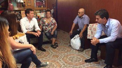 Santilli aseguró gastar 14 millones en refrigerios para vecinos, pero sólo les invita café y agua