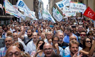 A días de la elección, arde la interna por La Bancaria en La Plata