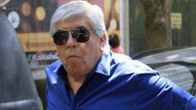 Moyano prepara visita papal con la mira en la CGT