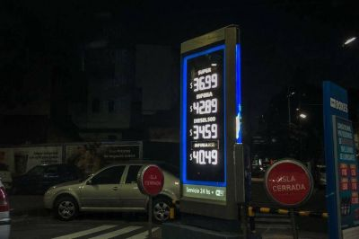 Al igual que las estaciones de Shell, YPF se suma al aumento del precio de la nafta
