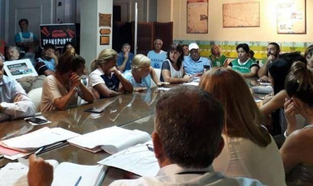 Gremios coparon el Concejo Deliberante e interpelaron a los ediles a expedirse sobre la crisis en el sector Educativo