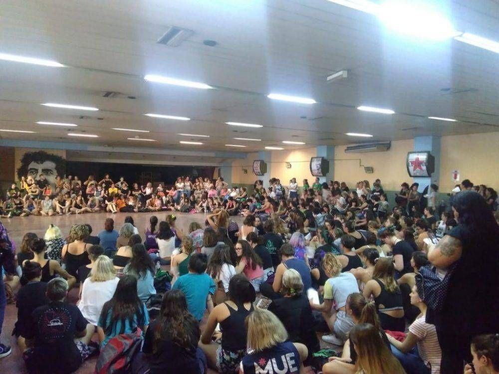CTA-A Rosario: las mujeres preparan el #8M para visibilizar su lucha #NosotrasParamos