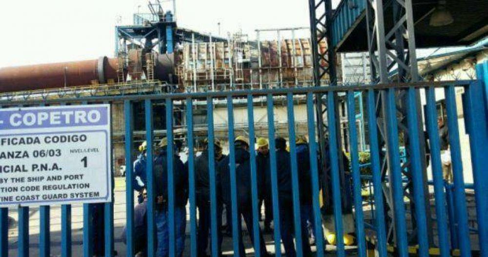 Copetro despidió a 22 estibadores del puerto de La Plata
