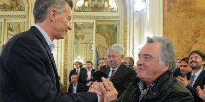 """¿Insólito? Reforma laboral: Barrionuevo ya """"aconseja"""" al gobierno para que avance"""