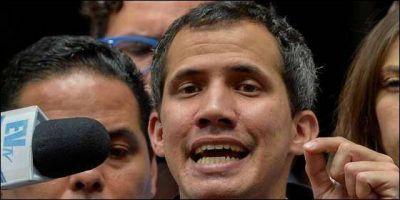 Guaidó pide al Papa ayuda para lograr