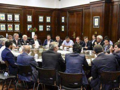 Ávila calificó como muy productiva a la Mesa Petrolera de Chubut
